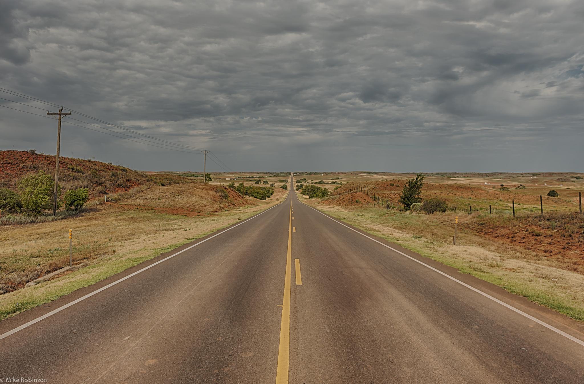 Oklahoma_Cloudy_Road_H...