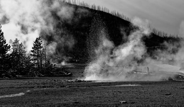 Yellowstone_Geyser_Steam_BW