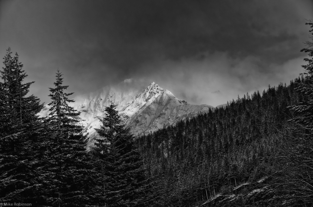 Cascades_Cloudy_Day_BW