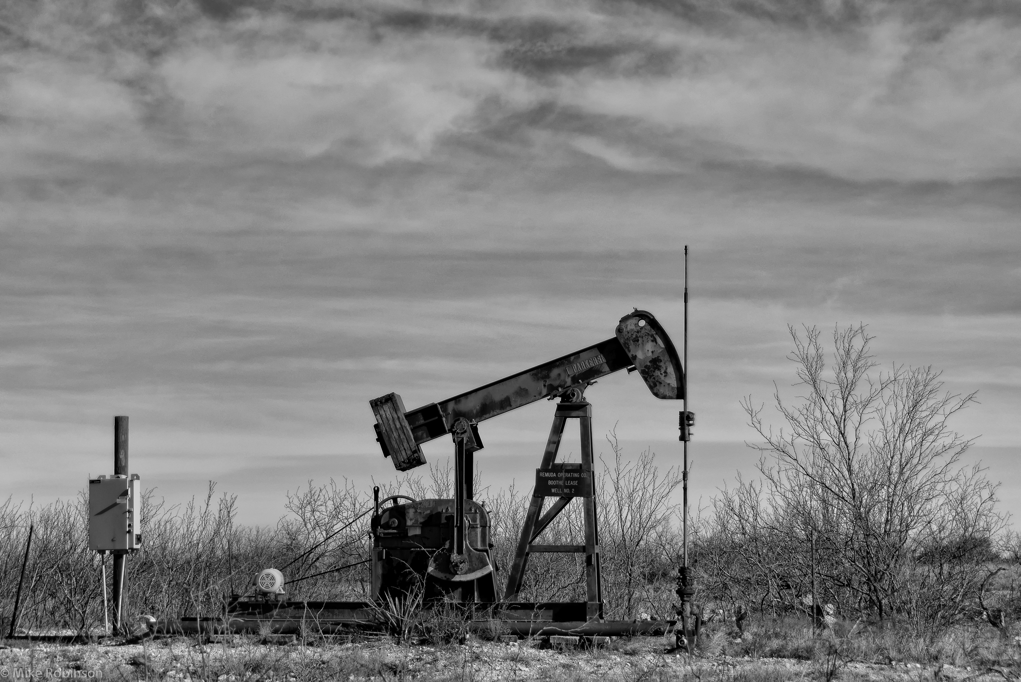 oil and economic change in texas In west texas, rising oil prices are fueling a sharp economic upswing, lifting employment and pay to records, driving up spending at hotels, restaurants, and car dealerships, and raising the cost of housing and other essentials.