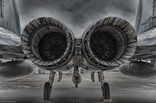 F15_HDR_01