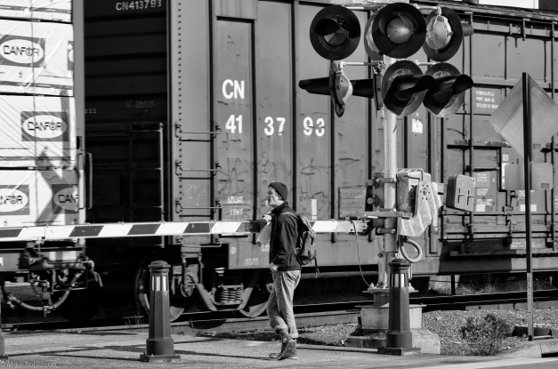 Railroad_Xing_BW