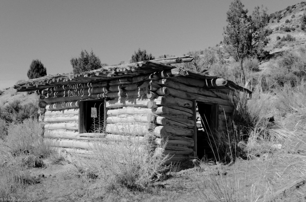 Flaming_Gorge_Cabin