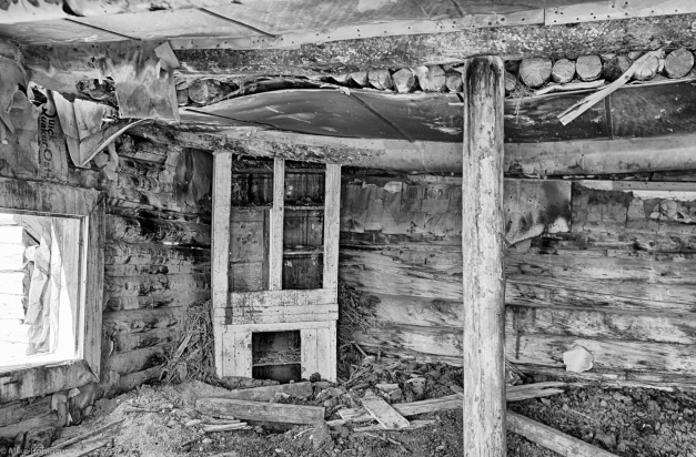 Flaming_Gorge_Cabin_Interior
