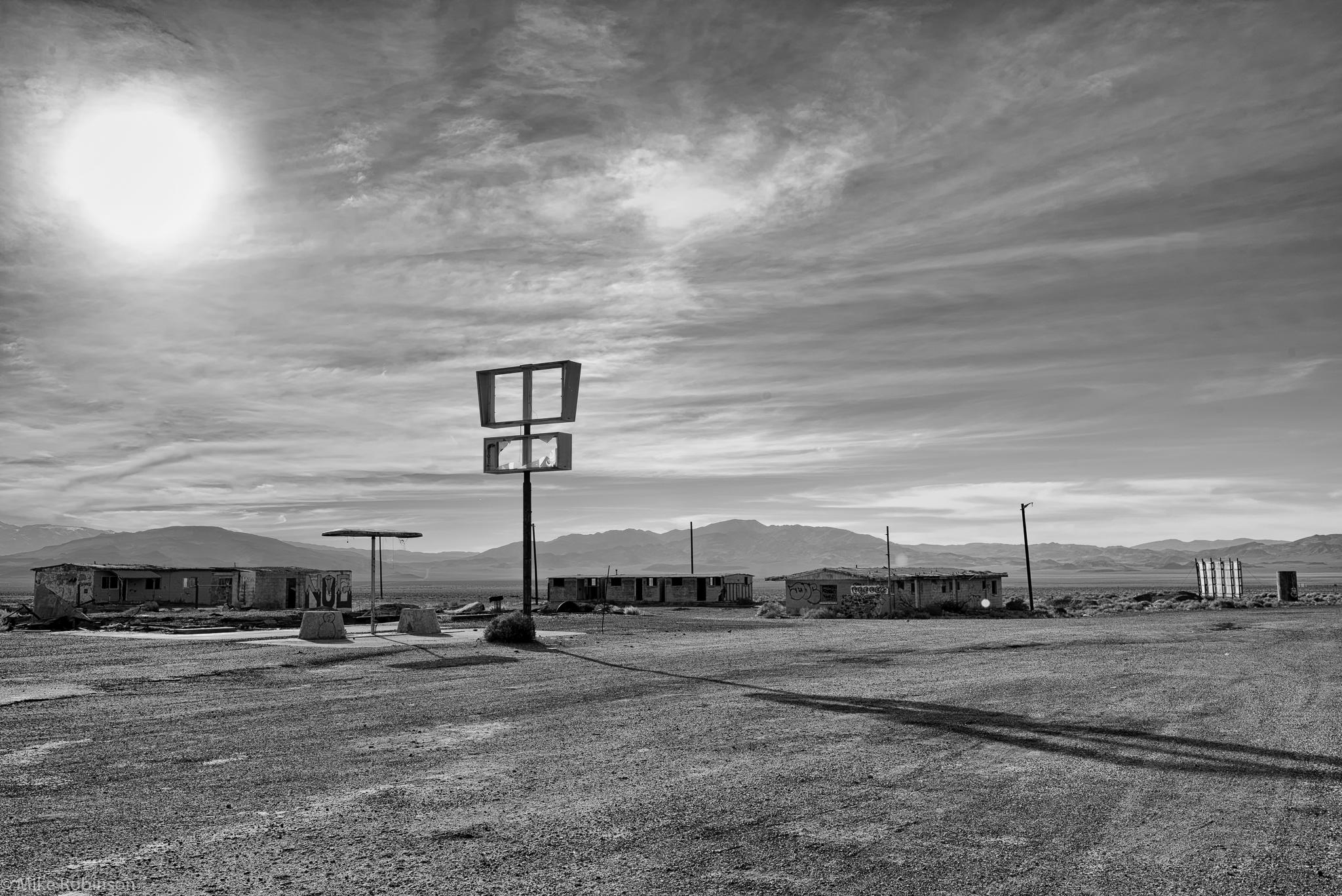 Nevada_Abandoned_Gas_Station_02