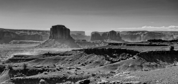 Monument_Valley_2_BW