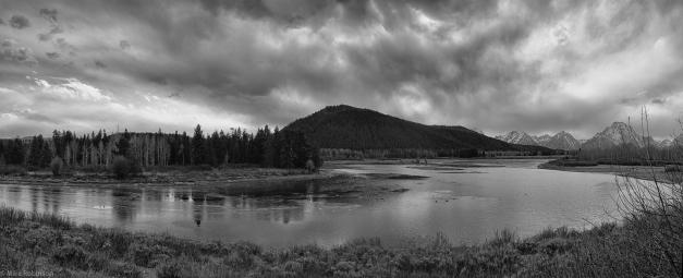 Pano_Yellowstone_Autumn_Afternoon_BW