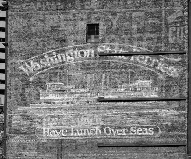 Washington_State_Ferries_Sign_BW