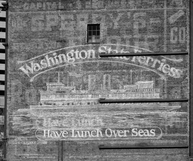 Washington_State_Ferries_Sign_BW