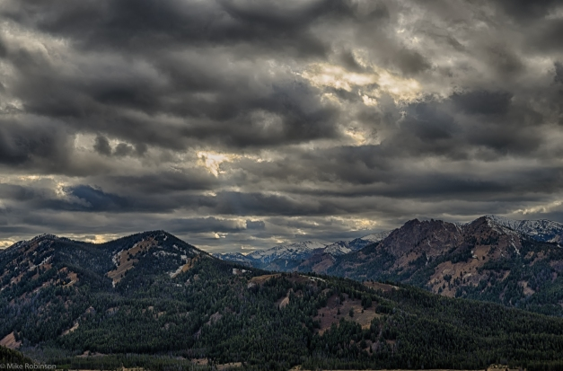 Idaho_Mountains_Cloudy_Late_Afternoon_HDR
