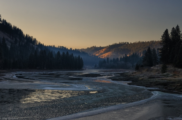 Idaho_Icy_River_Morning