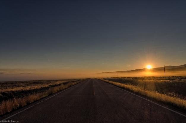 Montana_Sunrise_Road