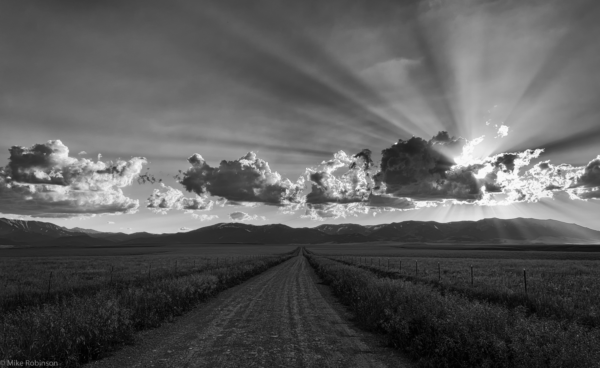 Montana_Road_and_Rays_BW