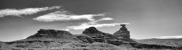 Pano_Mexican_Hat_Rock_BW