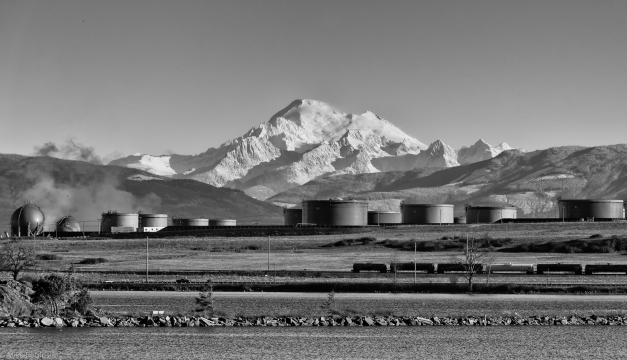 Tesoro_Refinery_Tanks_Mountain_BW