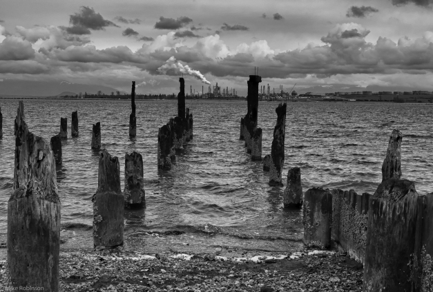 Old_Pier_and_Refinery_BW