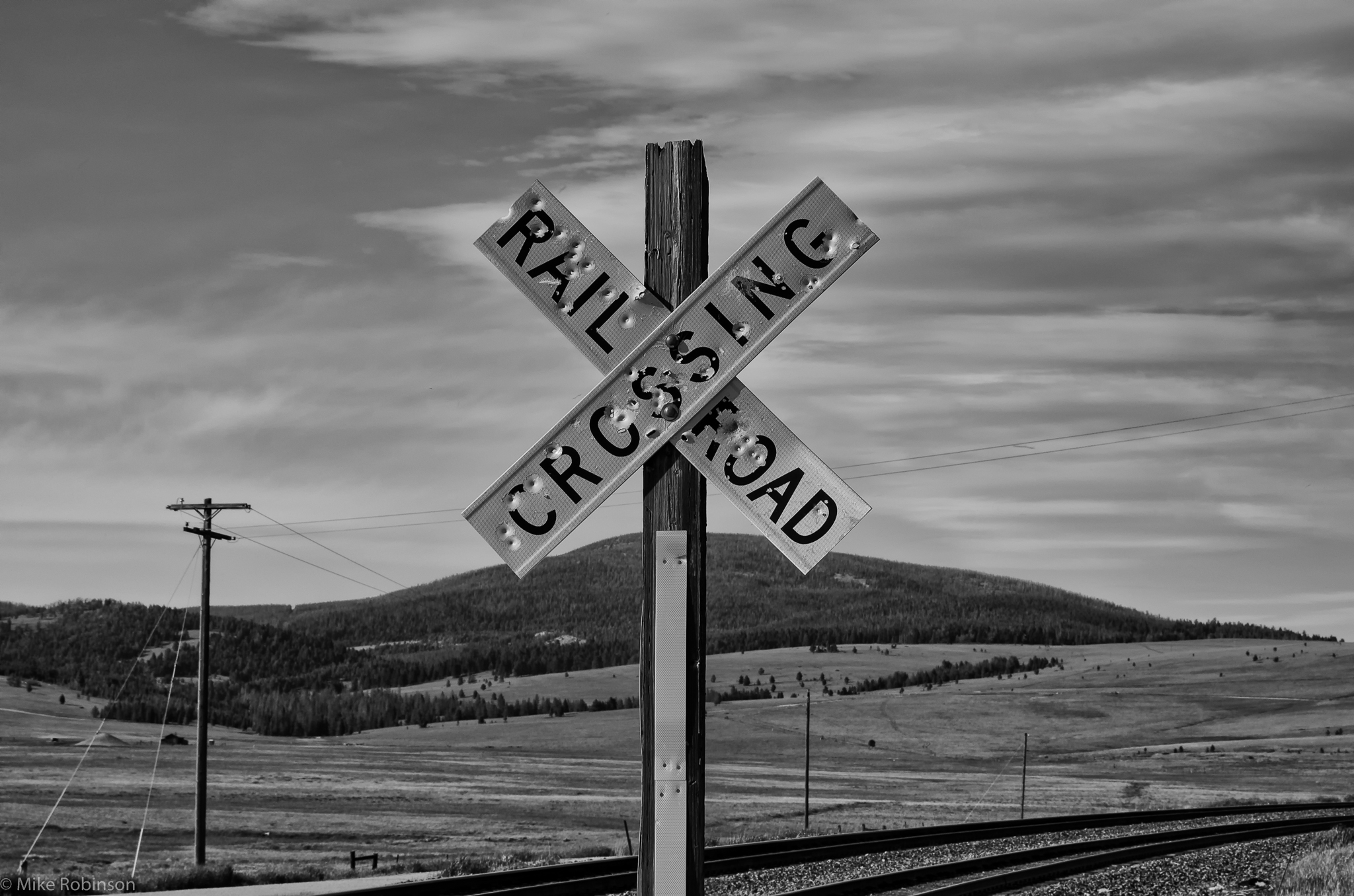 Railroad Crossing Sign Black And - 1129.6KB