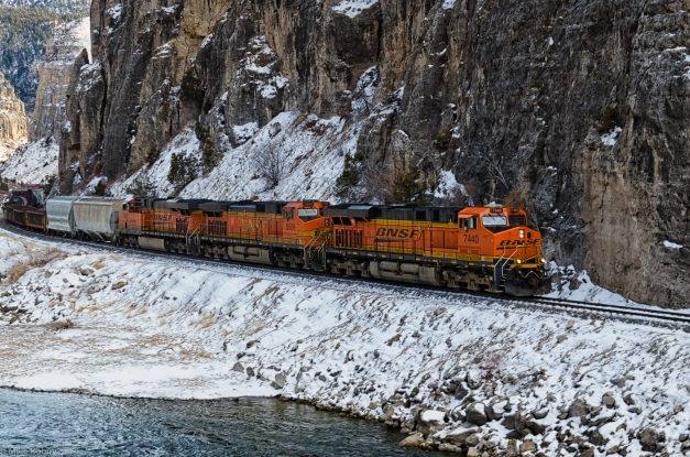 Shoshone_Canyon_Train_2