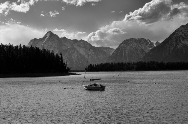 Sailboat_and_Mountains_BW