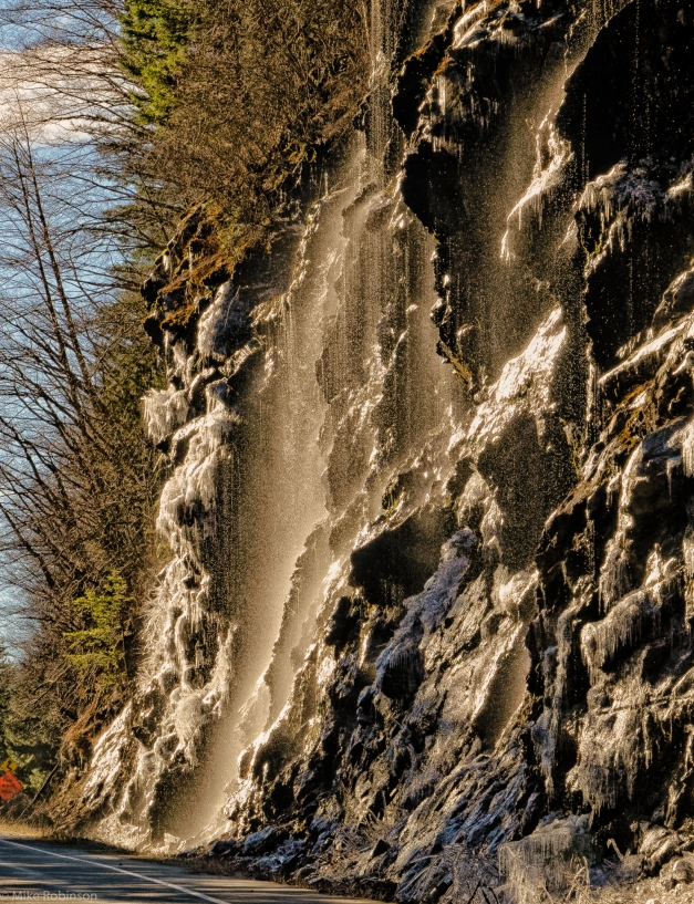 Roadside_Waterfall_3