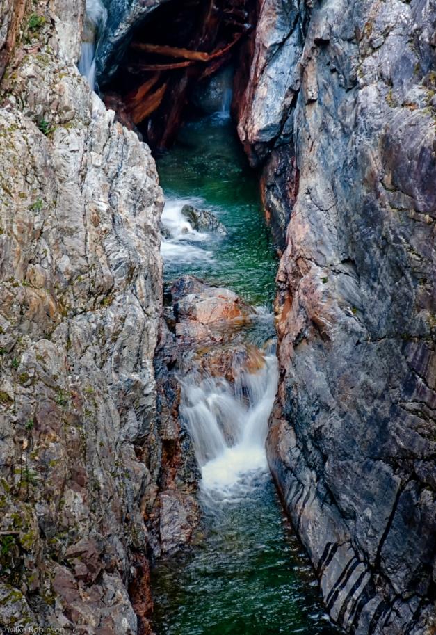 Rocky_Waterfall_2