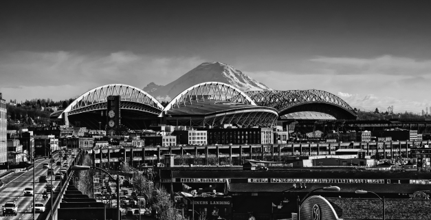 Seattle_Stadium_and_Mountains