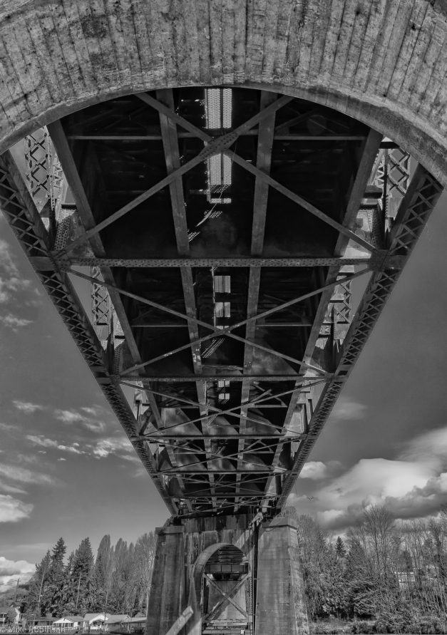 Under_the_Bridge_BW