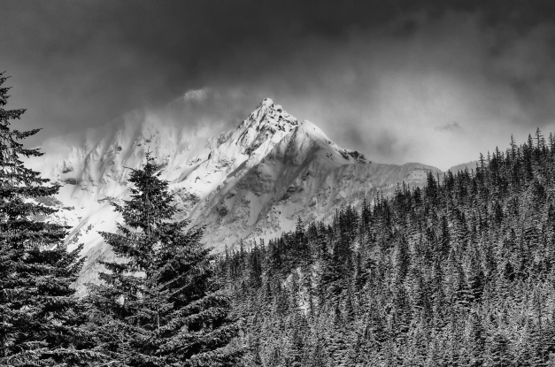Cascades_Cloudy_Peaks_BW