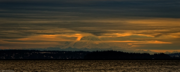 Lake_Washington_Rainier_Sunrise