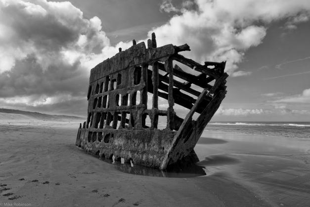 Shipwreck_1_BW
