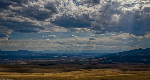Montana_Ranch_Country_Cloudy_Day