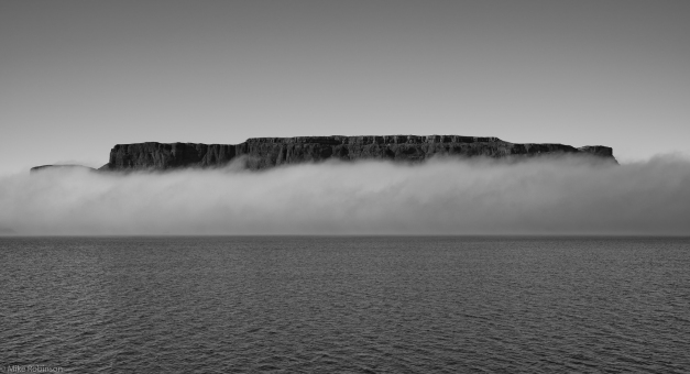 Steamboat_Rock_in_the_Fog_BW
