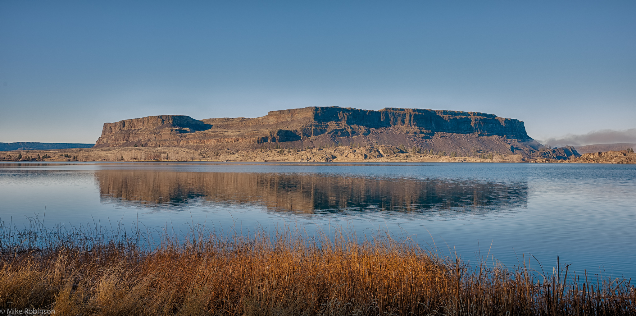 Steamboat_Rock_Morning_Reflection