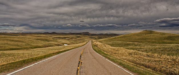 Montana_Cloudy_Afternoon_Road