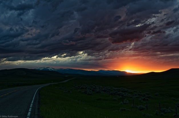 Montana_Roadside_Sunset