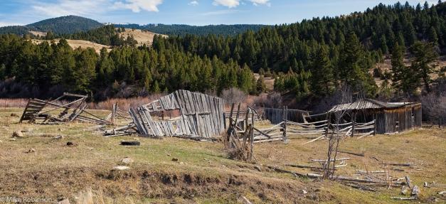 Abandoned_Farm_Sixteen_Mile_Road