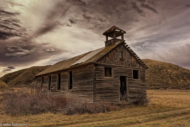 Montana_Abandoned_Schoolhouse