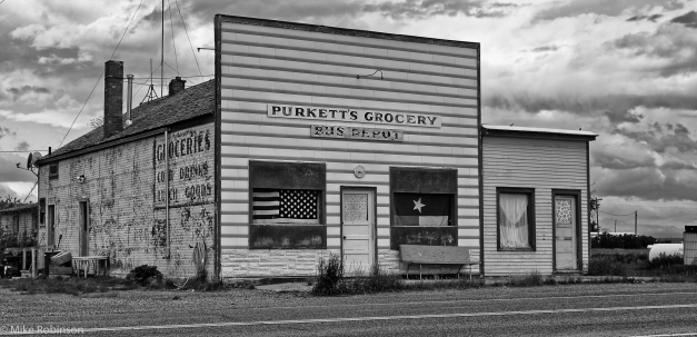 Bynum_Purketts_Grocery_BW