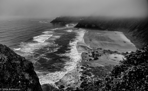 Oregon_Coast_Foggy_Morning_BW