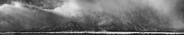 Pano_Tetons_Cloudy_Winter_Afternoon_BW