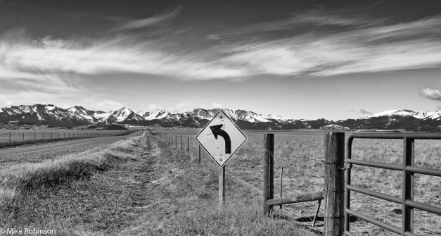 crazy_mountains_roadside_scene_bw