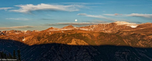 moon-over-beartooth-pass