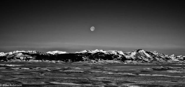 swan-range-moonset