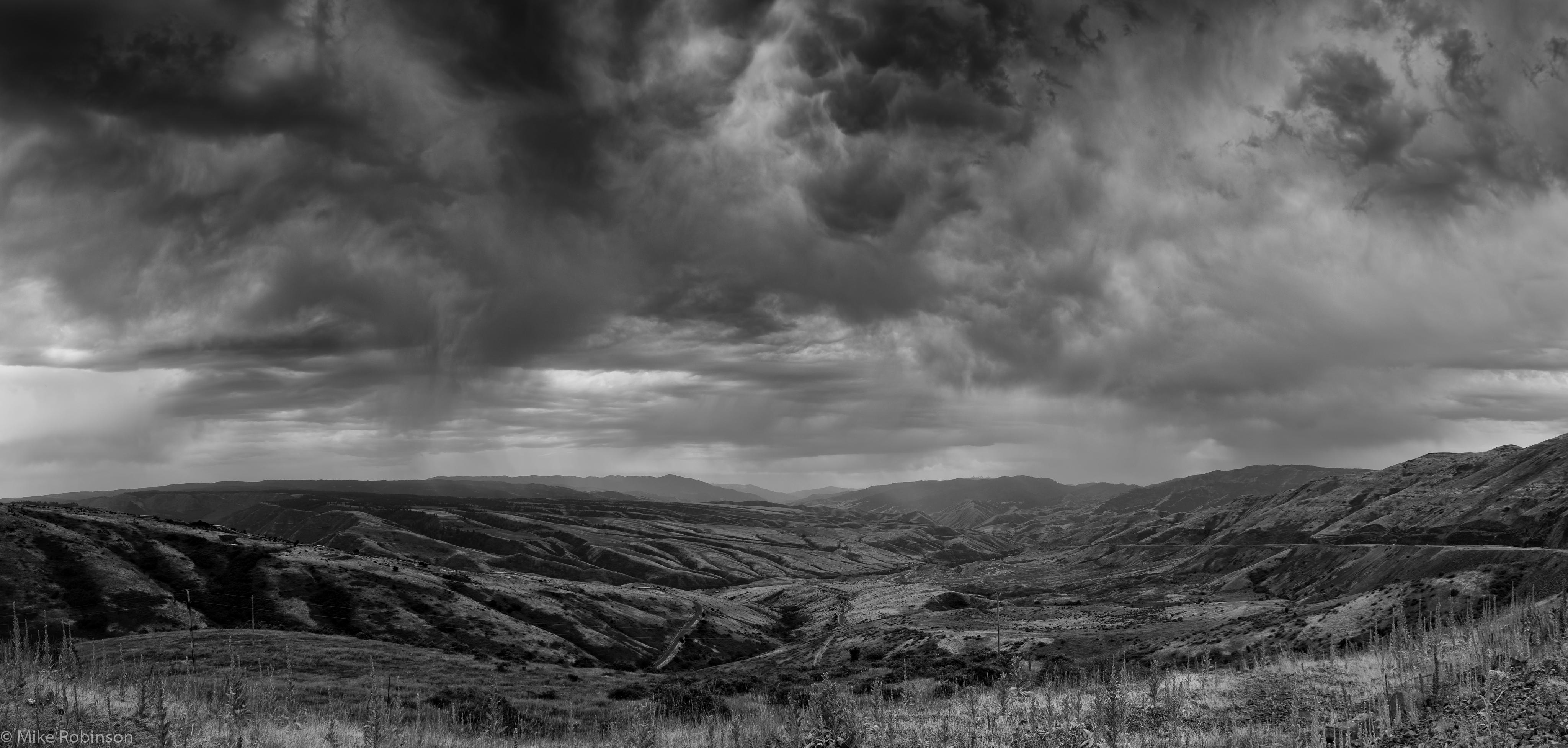 Pano_Idaho_Rain_BW.jpg
