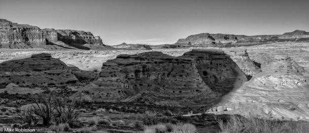 Utah Swirly Rocks.jpg