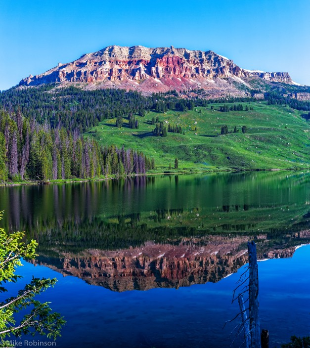 Beartooth Lake Reflection.jpg